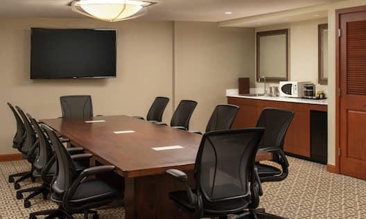 Guestroom Conference Suite