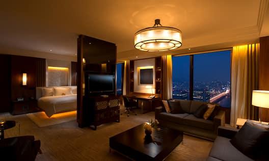 Penthouse Suite Lounge Area