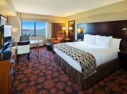King Guestroom with Bay View
