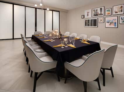 red oak private dining room