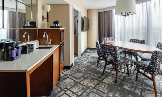 Guest Suite Dining Area, Wet Bar