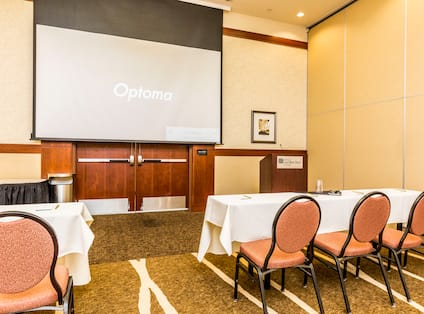 Cliffrose Meeting Room Set up Classroom Style