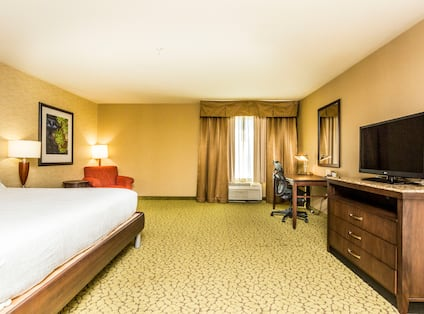 Accessible King Room with HDTV