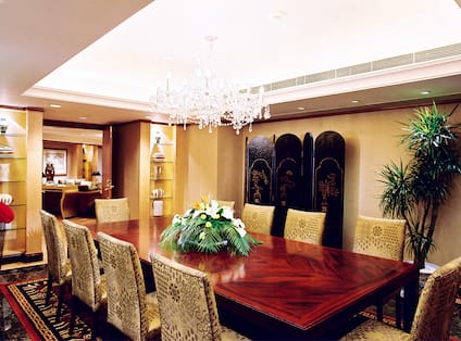 Presidential Suite Dining Room with Seating for 10
