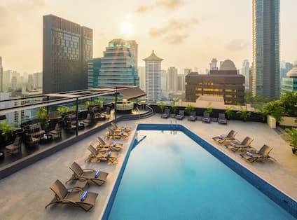 Rooftop Swimming Pool_Hilton Singapore SINHITW