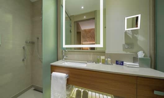 Twin Guest Room Bathroom