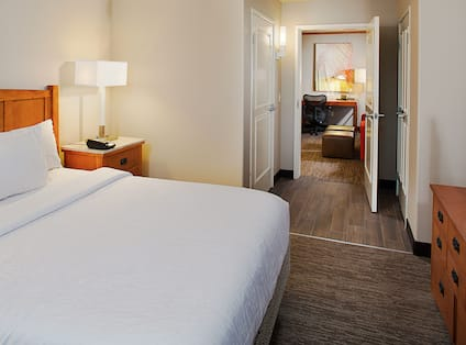 Guest Suite with King Bed, Work Desk and Television