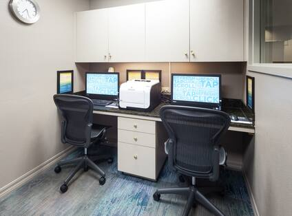 Complimentary 24-Hr Business Center