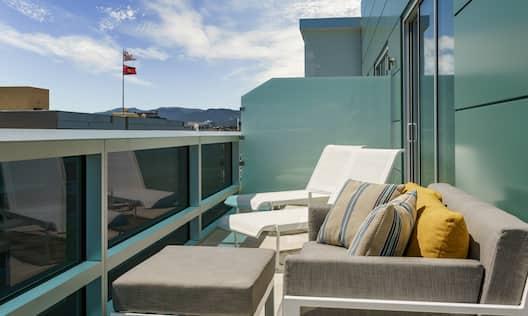King Deluxe Studio Suite Balcony