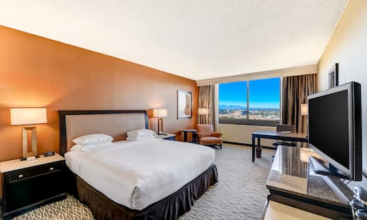 Sweet Dreams by DoubleTree King-Sized Bed Facing TV