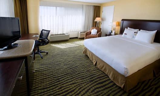 One King Bed Corner Room
