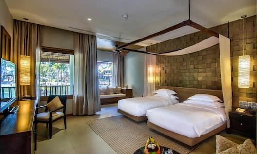 Twin Deluxe Room