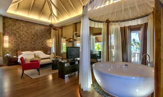 Lagoon Suite Bedroom