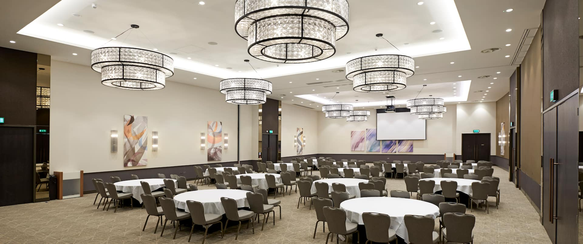 Ballroom With Dining Seating