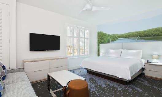 Single King Studio Guestroom Suite