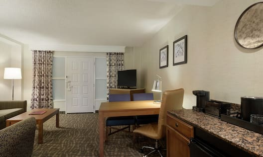 Suite Living Room with Wet Bar and Dining Table / Work Desk