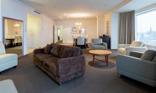 One King Bedroom Royal Suite Club Floor Harbourview