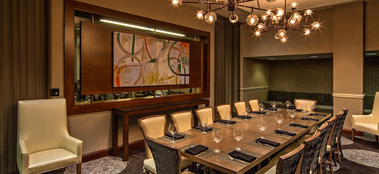 400 Olive Private Seating