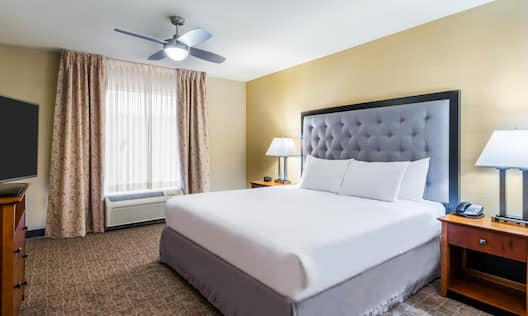 1 King Bed with TV in Suite