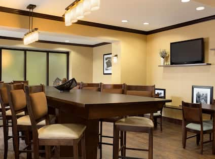 Lobby Dining Area with Tall Chairs and Table