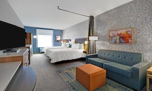 Guestroom with Double Queen Beds