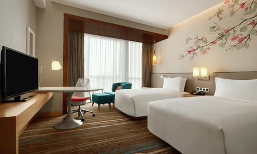 Double Twin Bed Hotel Guestroom
