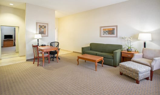 Santa Rosa Suite Living