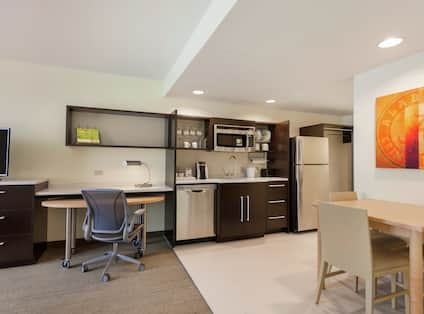 Guestroom Suite with Kitchen, Room Technology, and Work Desk