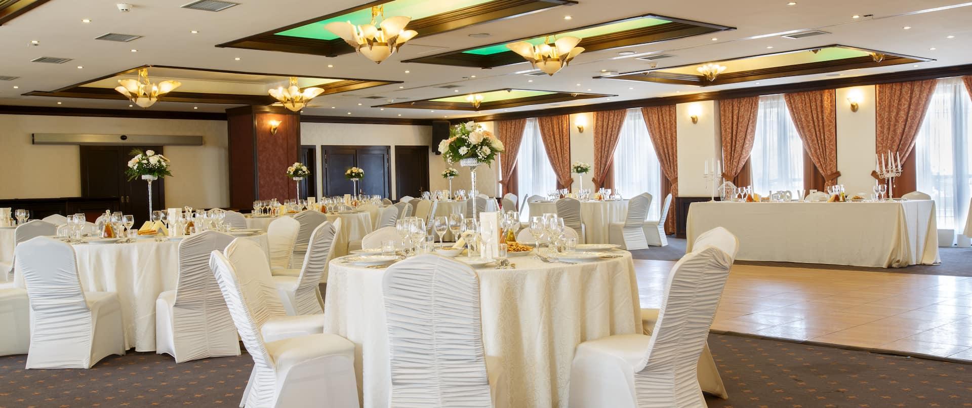 Arthur Ballroom Wedding Setup