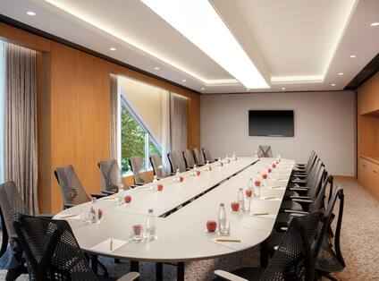 Pajtim Selmani Executive Boardroom Table