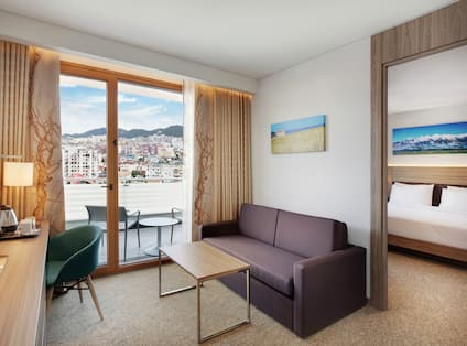 King Family Deluxe Room with Balcony Living