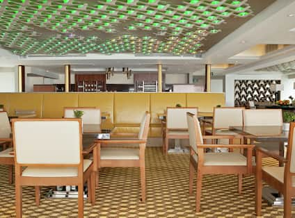 Vista Lounge Dining Tables