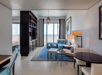 2 Bedroom Apartment Living Room