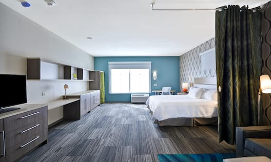 Accessible Suite with King Bed
