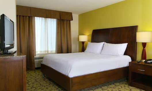 King Bed Hotel Guestroom