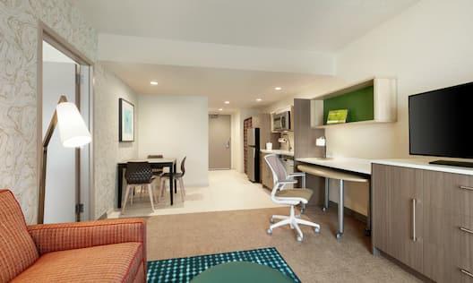 King One Bedroom Suite Living & Kitchen
