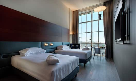 Deluxe Guest Room with Two Twin Beds