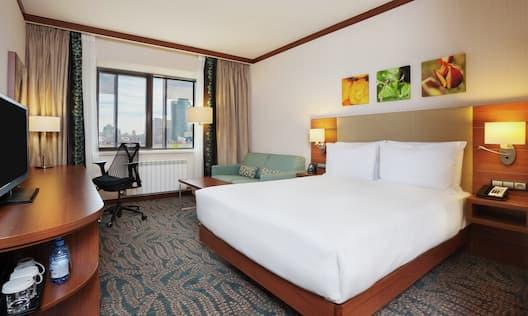 Standard Room with Queen