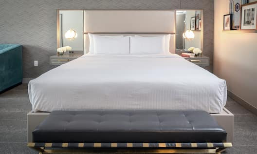 King Suite with Bed