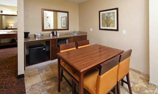 Kitchenette and Dining Table for 4
