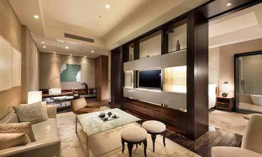 Deluxe Bay View Suite Living Area