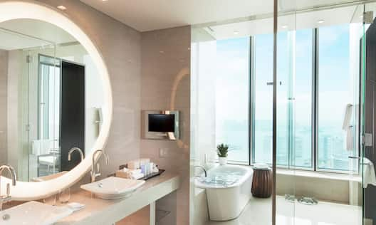 KING DLX SUITE BAY VIEW