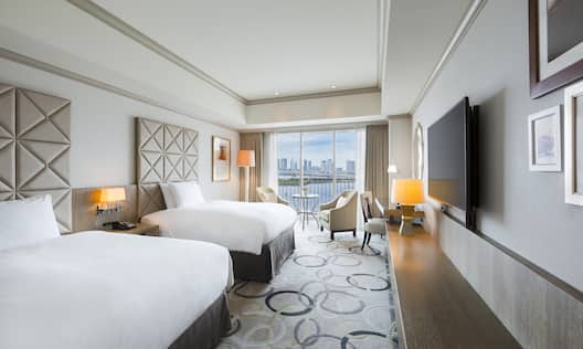 Twin Deluxe Guestroom with Two Beds, Lounge Area, Outside View, Work Desk, and Room Technology