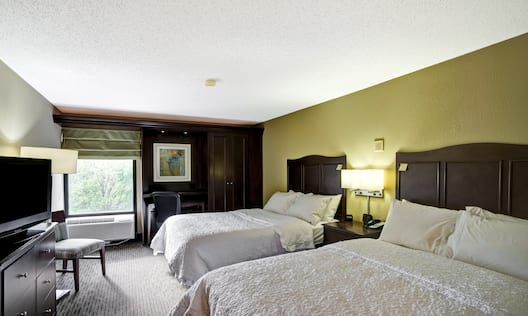 Double Beds Room