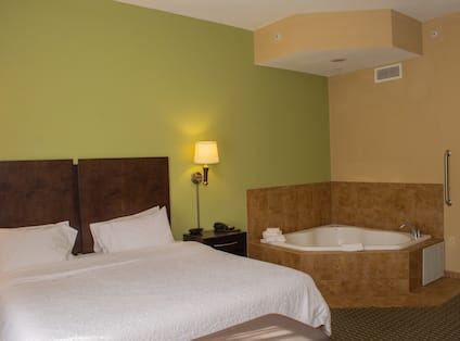 King Guestroom with Whirlpool Tub