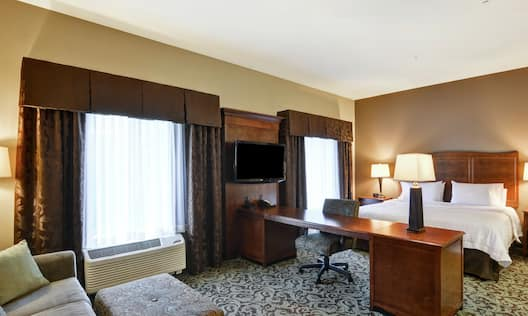 King-Size Bed Suite