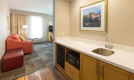 Wet Bar with Microwave and Fridge