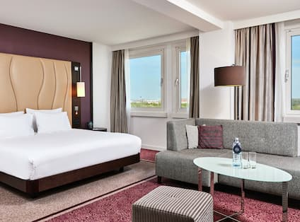 King Waterfront Suite