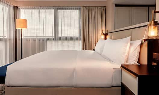 King Junior Suite Bed