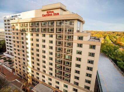 Hilton Garden Inn Hotel Exterior